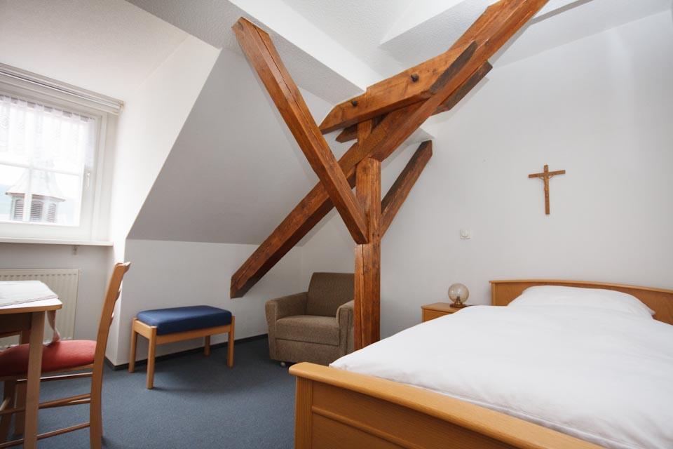 Gästezimmer im 4. OG des Bergklosters Heiligenstadt
