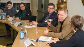 Auf dem Podium (v.l.): Anja und Marius Pötting, Moderator Winfried Meilwes, Peter Loose und Hildegard Schäfer. Foto: SMMP/Bock
