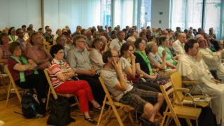 """Rund 250 Interessierte verfolgten am Samstagnachmittag die Veranstaltung zum Thema """"Glauben denken mit Esprit"""" im Haus des Buches. Foto: SMMP/Bock"""
