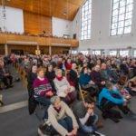 Über 400 Besucher saßen am Karfreitag dicht gedrängt in der Dreifaltigkeitskirche. Foto: SMMP/Bock
