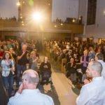 Die Besucher danken mit stehenden Ovationen. Foto: SMMP/Bock