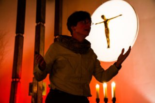 Die Ausbildung zum Bibelerzähler/zur Bibelerzählerin schließt mit der öffentlichen Bibel-Erzählnacht im Bergkloster ab. Foto: SMMP/Bock
